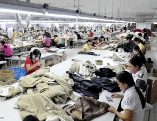 Bí kíp khai thác nguồn hàng quần áo cho shop online 2