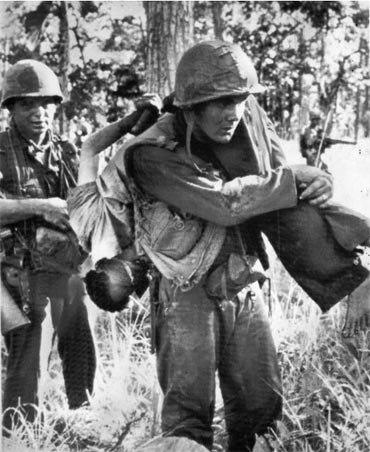 Những hình ảnh rúng động về chiến tranh Việt Nam trên báo nước ngoài 8