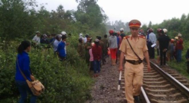 Nữ sinh Quảng Bình bị tàu hỏa đâm chết, cuốn văng xa 30m 1
