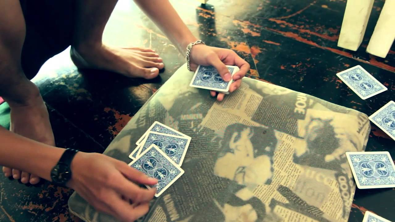 Bắt quả tang 4 'quý bà' đánh bạc tại quán cà phê 1