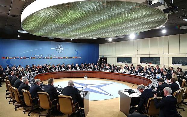 Ukraine chính thức ký các thỏa thuận hợp tác với NATO 1