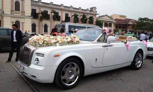 Cận cảnh dàn rước dâu với siêu xe 30 tỷ ở Nam Định 2
