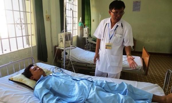 Máy bay quân sự chuyển bệnh nhân từ Trường Sa về đất liền 1