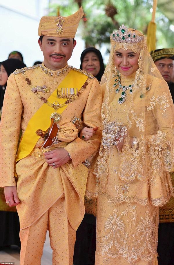 Choáng với đám cưới