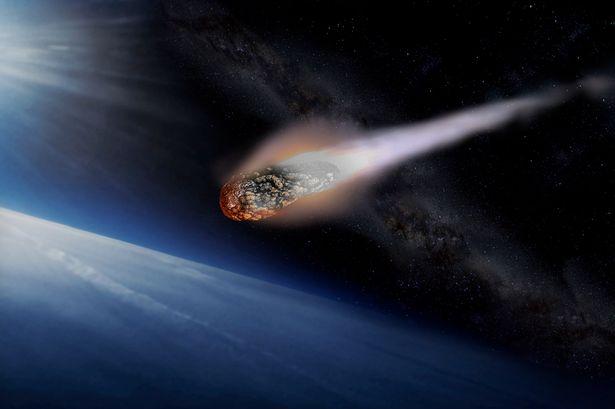 Thiên thạch khổng lồ cỡ Nữ thần Tự Do đe dọa Trái Đất 2