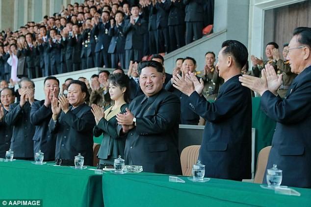 Kim Jong-un nhận lời tuyên thệ trung thành từ các quan chức Triều Tiên 1