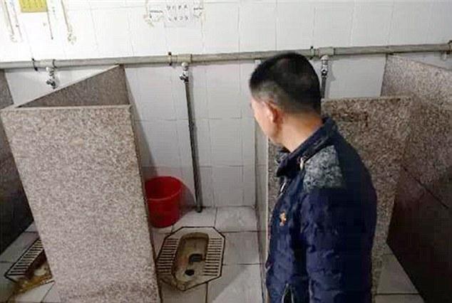 """Nữ công nhân đẻ rơi con trong toilet rồi """"tỉnh bơ"""" đi làm như thường 2"""