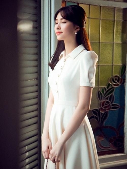Hoa hậu Đặng Thu Thảo tái xuất, khoe vẻ đẹp