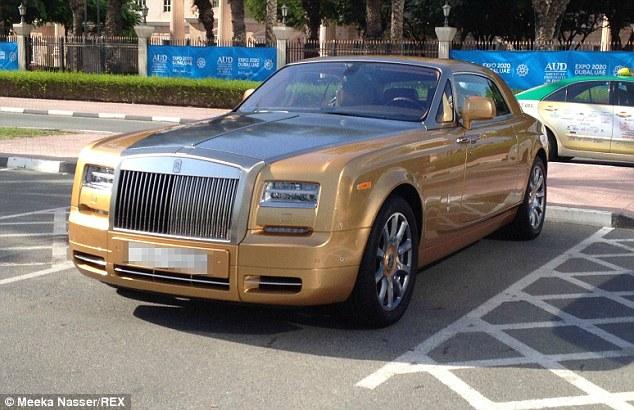 """Choáng bãi đậu xe toàn xế xịn của trường đại học """"con nhà giàu"""" ở Dubai 7"""