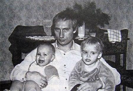Những bức ảnh hiếm thời trẻ của Tổng thống Putin 10