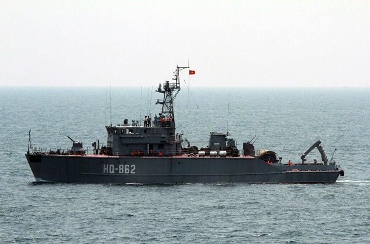 Máy bay Su-22 rơi ở Bình Thuận: Điều 2 tàu quét mìn tìm kiếm Su-22 1