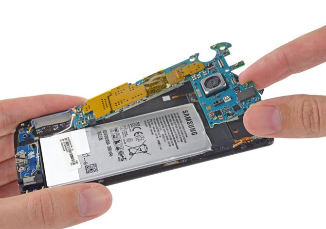Thay pin Galaxy S6 và S6 edge hết gần 1 triệu đồng 2