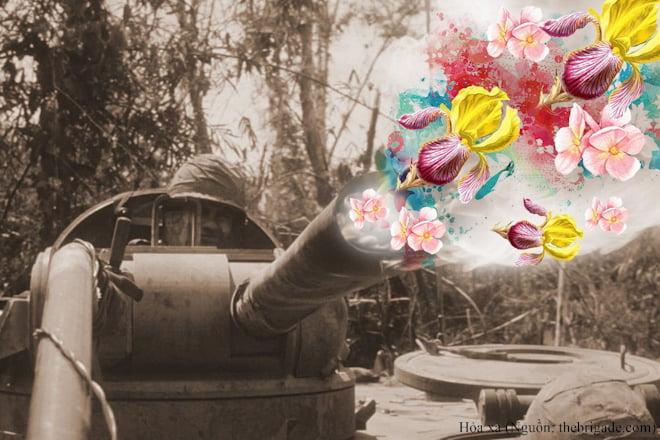 """Triển lãm ảnh """"Hoa nơi chiến trường"""" bị tạm giữ 5"""