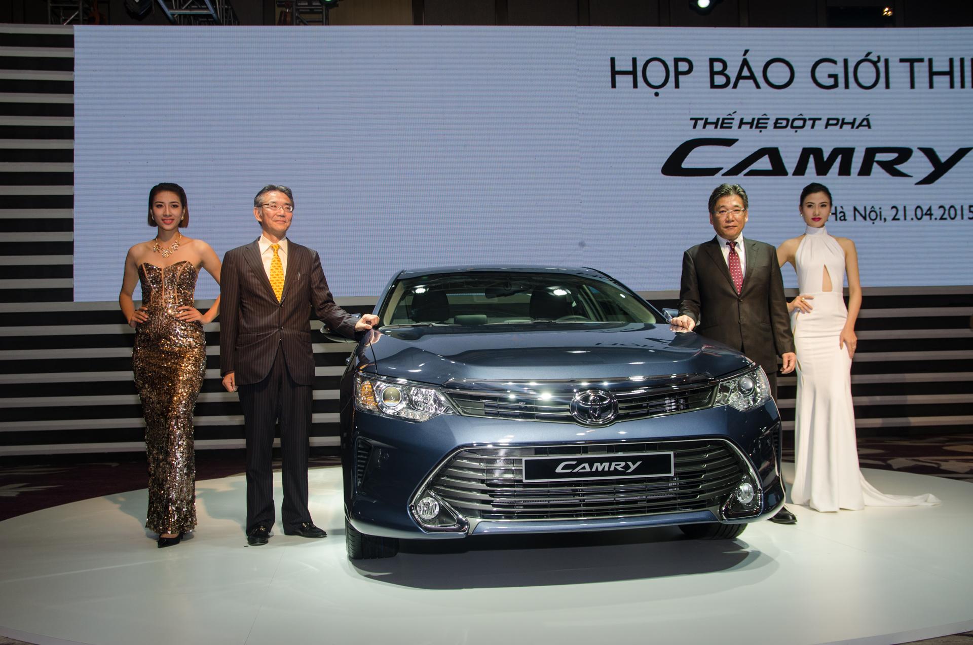 Toyota Camry 2015 ra mắt, giá cạnh tranh từ 1,08 tỷ đồng 1