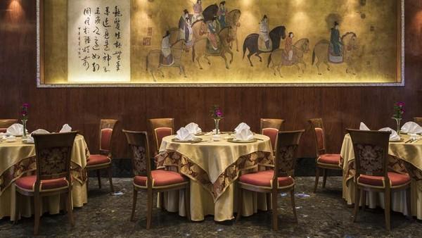 Ngất ngây khách sạn xa hoa bậc nhất Sài Thành gây choáng báo Mỹ 7