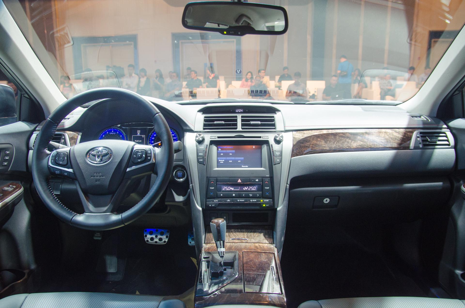 Toyota Camry 2015   CaravanVN