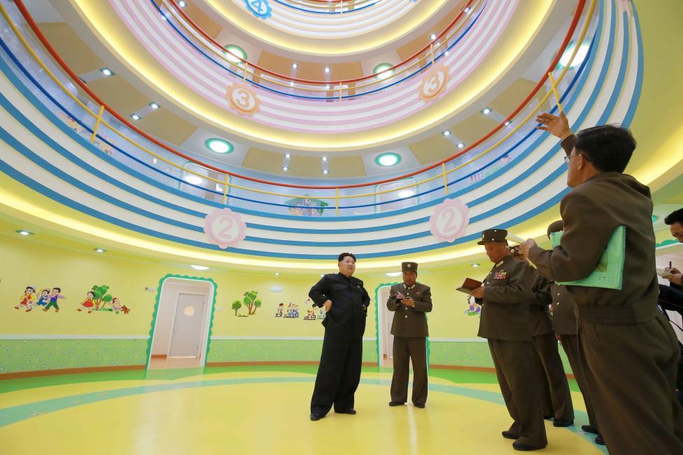 """Kim Jong-un hài lòng trước trại mồ côi đẹp như """"thiên đường"""" của Triều Tiên 5"""