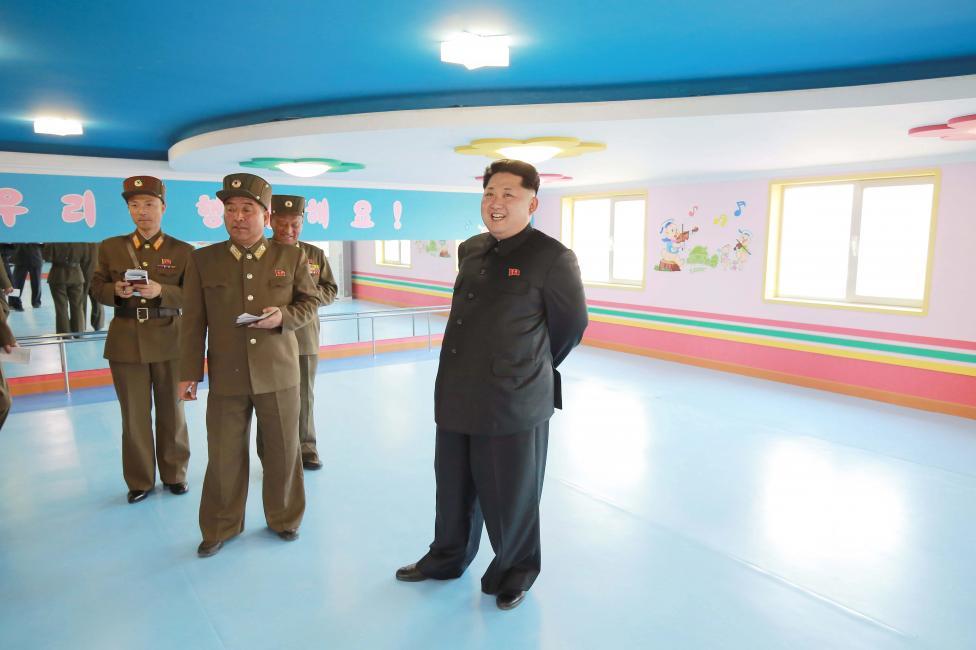 """Kim Jong-un hài lòng trước trại mồ côi đẹp như """"thiên đường"""" của Triều Tiên 7"""
