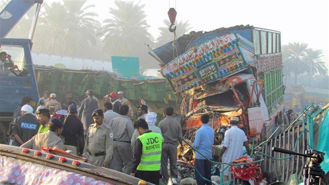 Xe tải mất lái tông sập nhà, 7 anh chị em thiệt mạng 2
