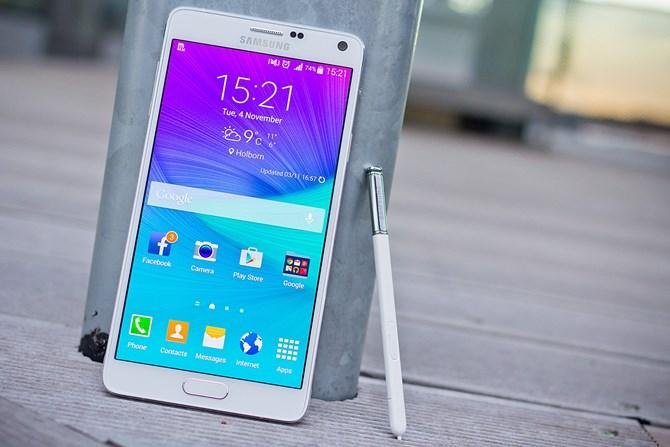 Hình ảnh 10 smartphone màn hình đẹp nhất hiện nay số 4