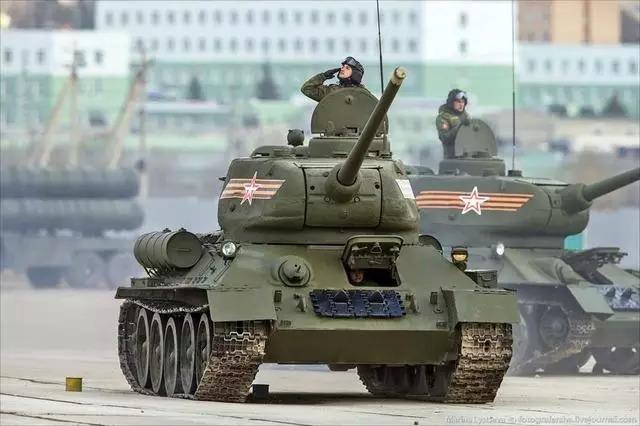 Kim Jong-un sẽ tham dự cuộc diễu binh lớn nhất lịch sử hiện đại của Nga 8