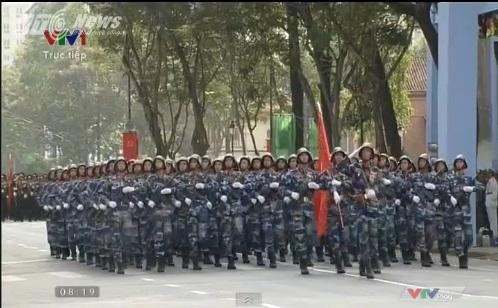 Trực tiếp: Lễ diễu binh, diễu hành kỷ niệm 40 năm giải phóng miền Nam thống nhất đất nước 23