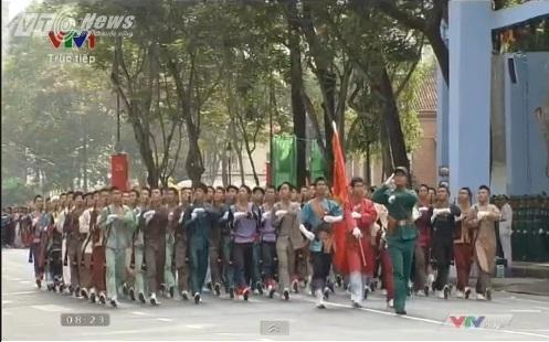 Trực tiếp: Lễ diễu binh, diễu hành kỷ niệm 40 năm giải phóng miền Nam thống nhất đất nước 18