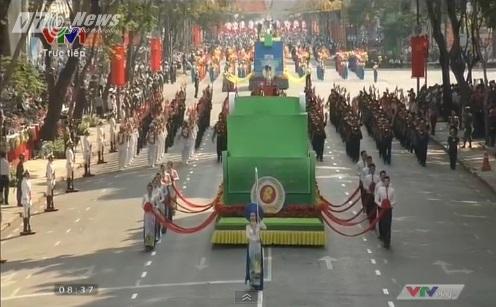 Trực tiếp: Lễ diễu binh, diễu hành kỷ niệm 40 năm giải phóng miền Nam thống nhất đất nước 11