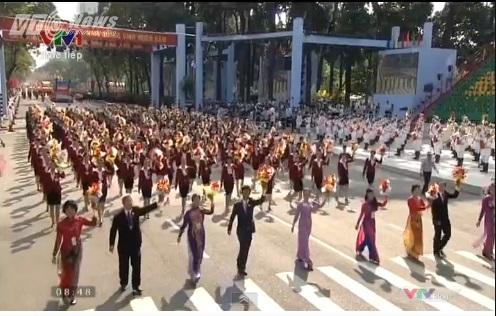 Trực tiếp: Lễ diễu binh, diễu hành kỷ niệm 40 năm giải phóng miền Nam thống nhất đất nước 6