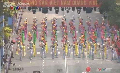Trực tiếp: Lễ diễu binh, diễu hành kỷ niệm 40 năm giải phóng miền Nam thống nhất đất nước 1