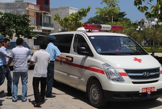Vụ máy bay SU-22 rơi: Đưa thi thể phi công Nguyễn Anh Tú về thăm nhà 2