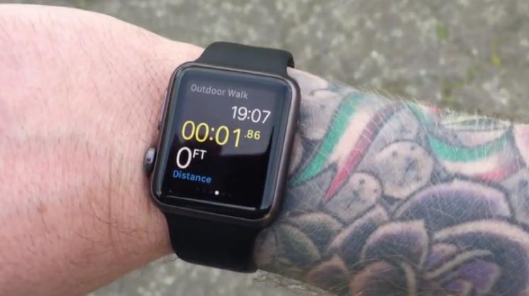 Apple Watch gặp vấn đề với cổ tay có hình xăm 1