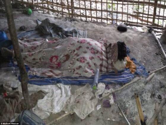Rùng mình trước mộ chôn tập thể 26 người tại Thái Lan 3
