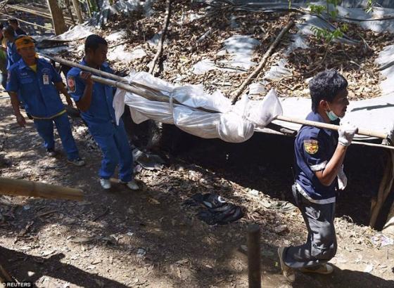 Rùng mình trước mộ chôn tập thể 26 người tại Thái Lan 4