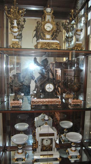 Đại gia Bắc Ninh thuê 4 người phủi bụi đồng hồ 10 triệu/tháng/người 6
