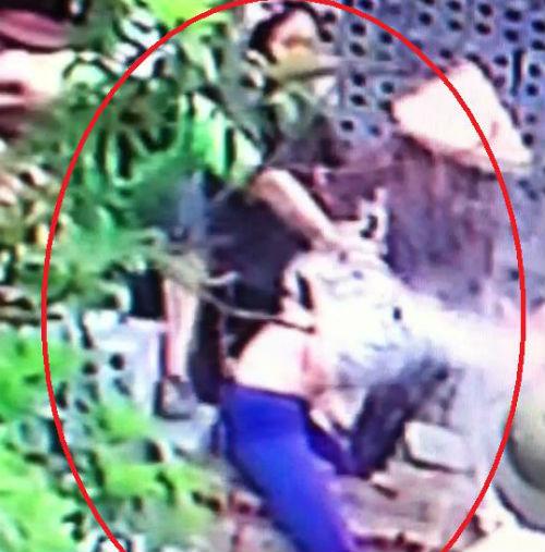 Bức xúc nhóm người xé quần, trói, đánh phụ nữ bất tỉnh 1