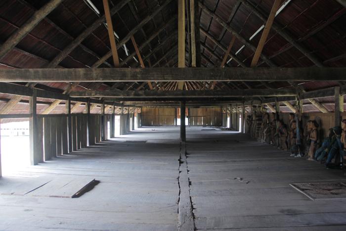 Ngôi làng 'nhà tranh vách gỗ' trị giá gần 4 tỷ đồng  9