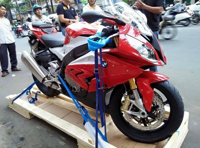 """Những """"quái thú"""" 1000 phân khối vừa ra mắt đã hút hồn biker Việt  1"""