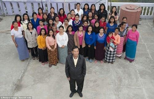 Cận cảnh cuộc sống của người đàn ông có 39 vợ, 94 con và 33 cháu 5