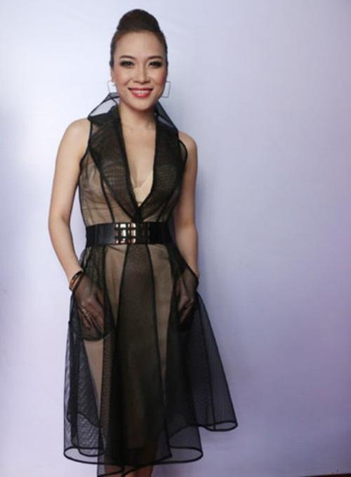 Mỹ Tâm diện váy xuyên thấu, phản cảm đi chấm thi The Voice 3