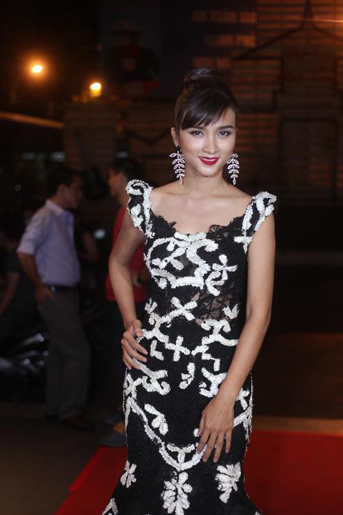 Diễm My quyến rũ, Kim Tuyến lộng lẫy trong buổi ra mắt phim  1