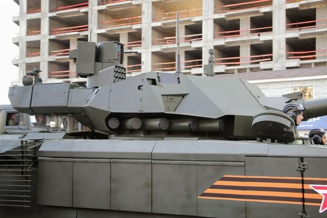 Rộ tin đồn tháp pháo siêu tăng Armanta của Nga làm từ bìa các tông 3