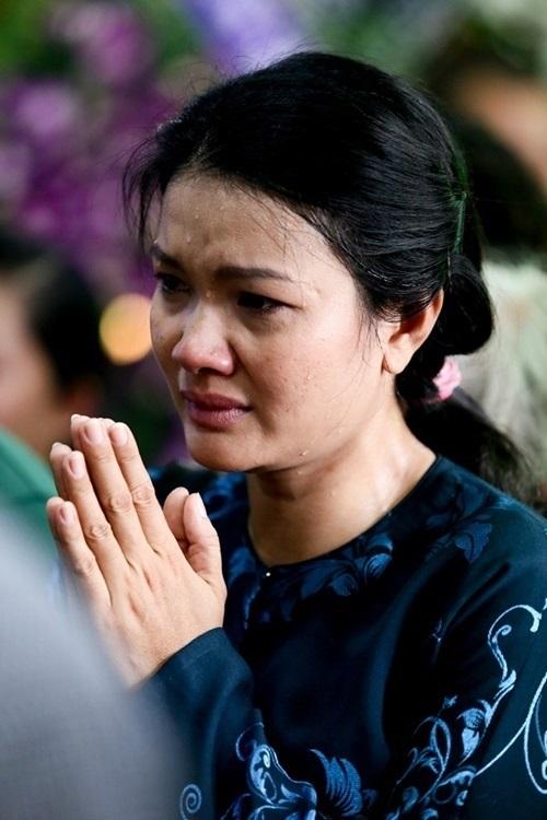 Sao Việt mắt đẫm lệ tới viếng Duy Nhân 2