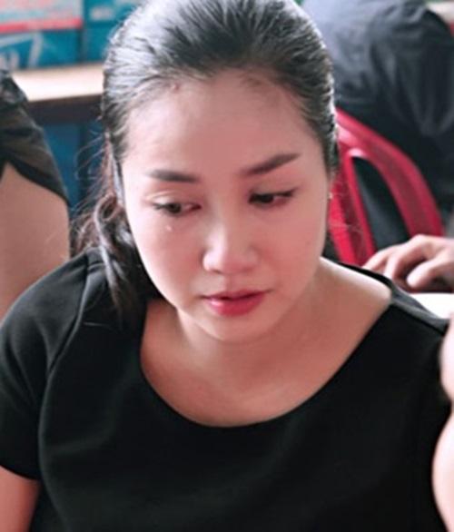Sao Việt mắt đẫm lệ tới viếng Duy Nhân 6
