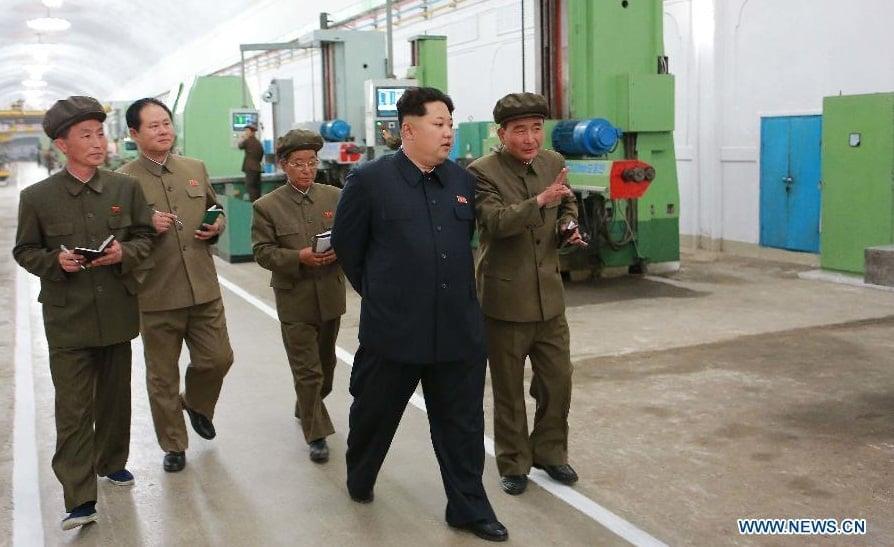 Kim Jong-un thị sát nhà máy cơ khí của Triều Tiên 3