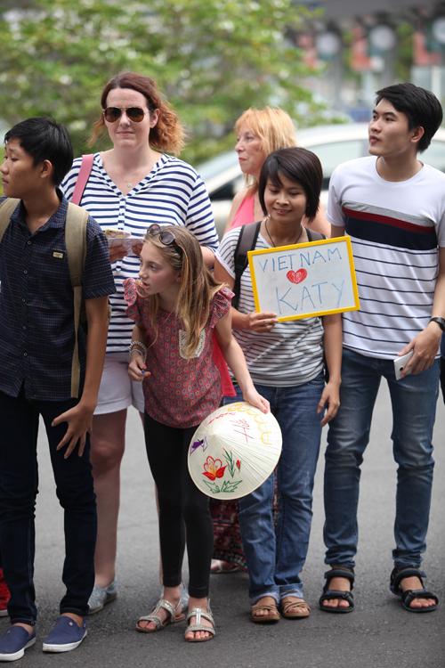 Katy Perry đã đặt chân đến Việt Nam 5