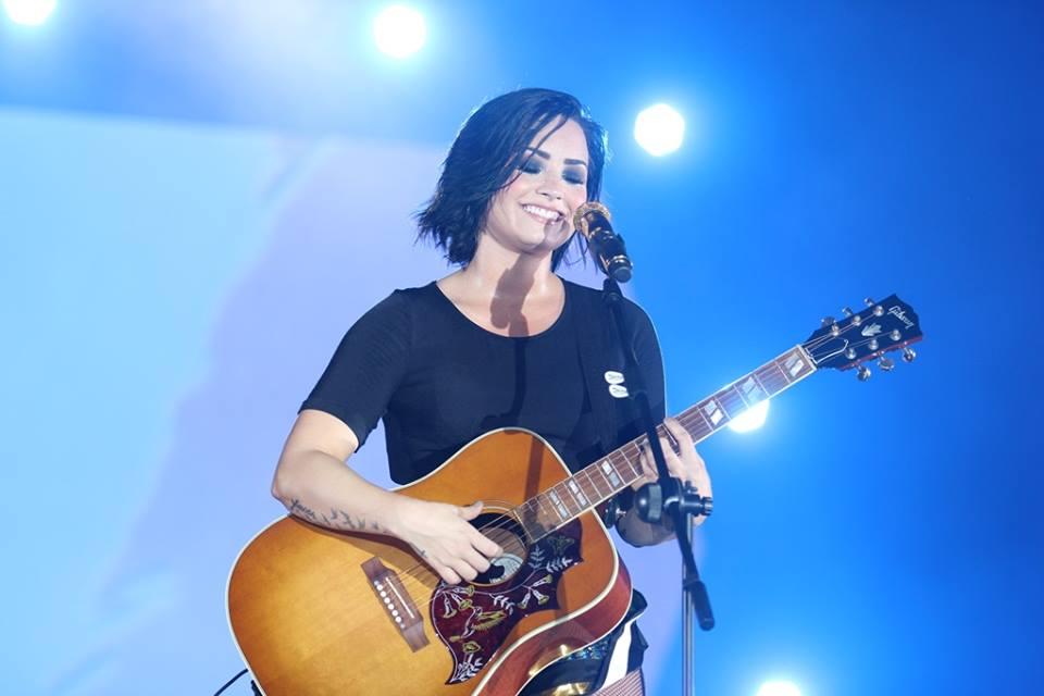 Ca sĩ Demi Lovato bùng nổ cùng lượng khán giả
