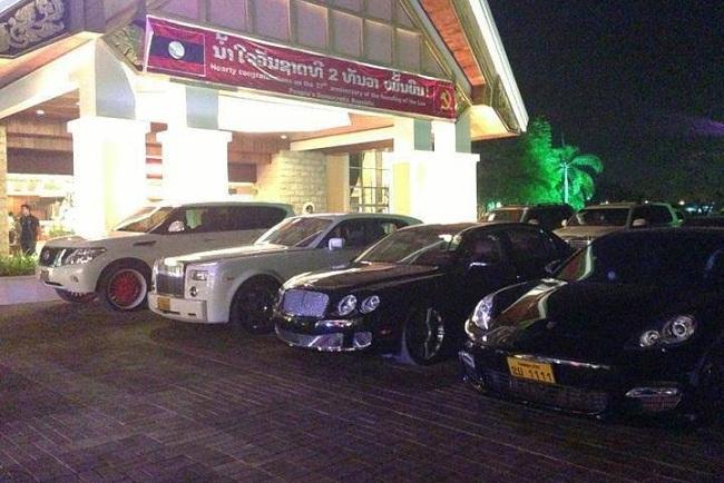 Dàn siêu xe Lào khiến đại gia Việt lác mắt 6
