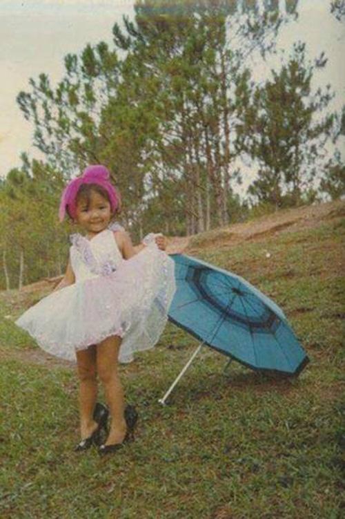 Tóc Tiên gây sốt với một loạt ảnh thơ ấu sành điệu 5