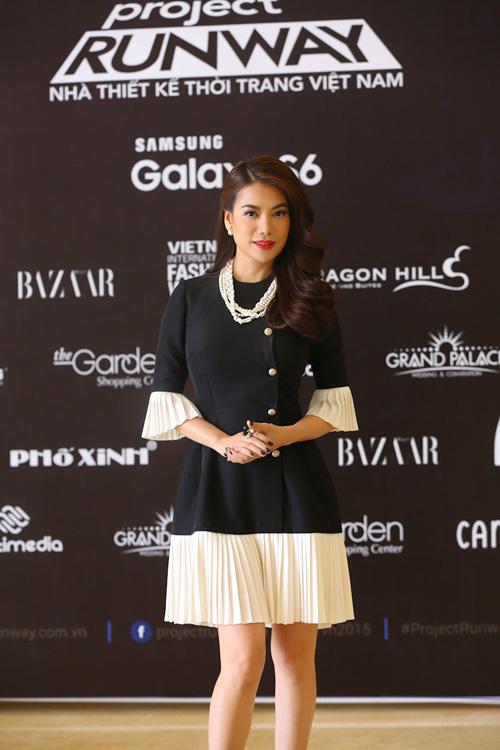 Trương Ngọc Ánh dịu dàng nữ tính với chiếc váy đen trắng 3
